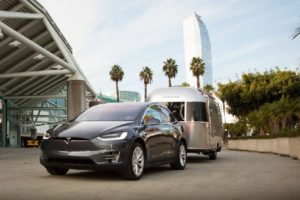 tesla-model-x-towing-an-airstream-trailer